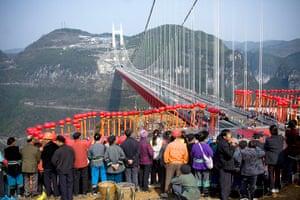 Suspension bridge: Worlds largest cross-canyon suspension bridge opens to traffic in Hunan