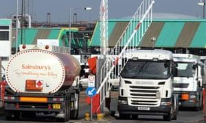 Petrol tankers, Grangemouth refinery, Falkirk 29/3/12