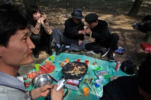 Longer view: North Koreans enjoy a picnic