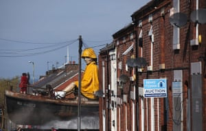 Liverpool Royal de Luxe: The Little Girl Giant Marionette in the streets of Liverpool