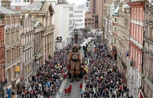 Liverpool Royal de Luxe: The uncle puppet walks along a street