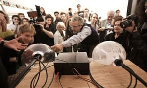 How to make your own particle accelerator, at Hacked, La Rinascente