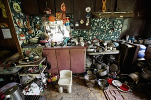 Booneville, Kentucky: Former chimney sweeper Mose Noble's kitchen is seen in Owsley County