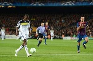 Barcelona v Chelsea: Ramires scores against Barcelona
