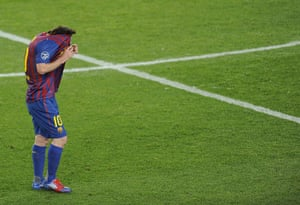 Barcelona v Chelsea: Dejected Messi