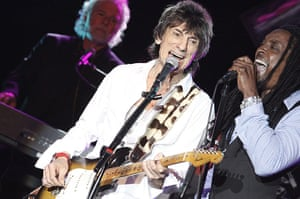 Week in music: Ronnie Wood plays a solo concert in Atlantic City