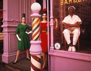 William Klein: Antonia Simone Barbershop, New York 1961