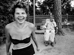 William Klein: Bikini, Moscow 1959