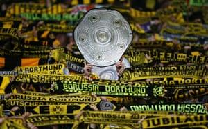 best of the week: Borussia Dortmund fans celebrate their team's Bundeliga triumph
