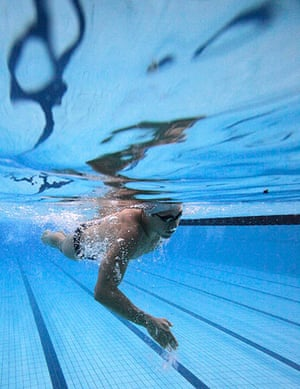 best of the week: Thiago Pereira warms up before the men's 200m individual medley finals