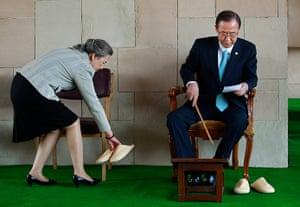 Picture desk live: UN Secretary General Ban Ki-moon and Yoo Soon-Taek in India
