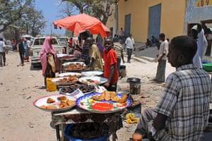 Somalia: Food sellers in Somalia