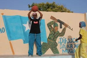 Somalia: Female basketball players in Somalia