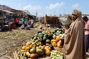 Somalia: Somali women sell fruit and vegetables at the Hamarweyne market