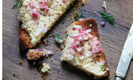 Tinned mackerel pâté with quick pickled onions