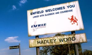 Hadley Wood twin town welcome sign