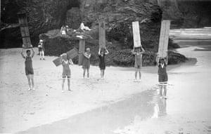 Museum of British Surfing: Surfers using coffin lids