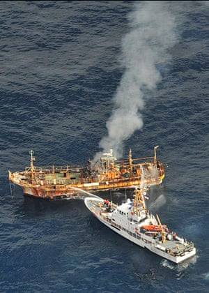 Ryou-Un Maru: The US coastguard douses the adrift Japanese fishing vessel with water