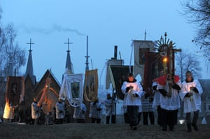 Easter Sunday: Belorussian Catholics attend a procession celebrating Easter