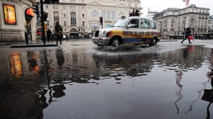 flooding in UK: Piccadilly Circus