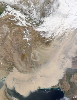 Satellite Eye on Earth: Dust storm in southwest Asia