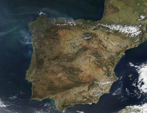 Satellite Eye on Earth: fires and smoke in northern Spain in the Cantabrian Mountains