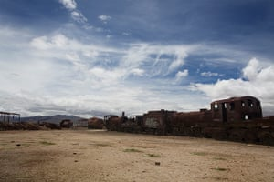 Bolivia travel: The train graveyard in Uyuni
