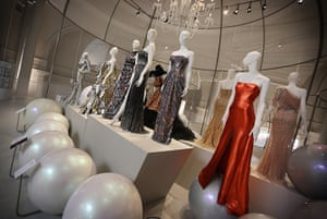 ballgowns at the V&A: Manequins in the V&A's fashion gallery