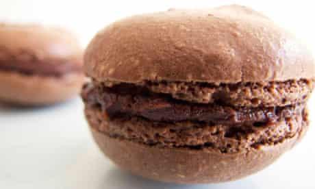 Perfect chocolate macaron