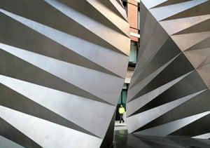 Heatherwick: Vent Structure in Paternoster Square London