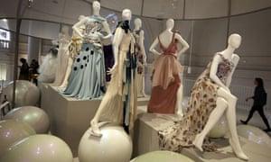 V&A Ballgowns exhibition