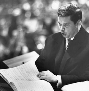 Dietrich Fischer-Dieskau: 1951: Dietrich Fischer-Dieskau makes his London concert debut