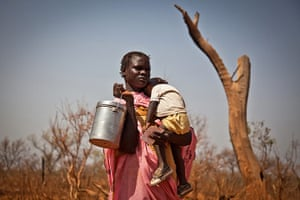 Nuba Mountains Conflict: A displaced woman and her child from the Nuba Mountains in Suda