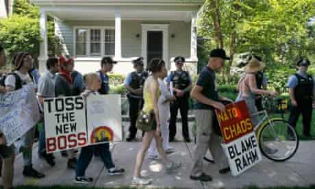 Chicago protesters Rahm Emanuel house
