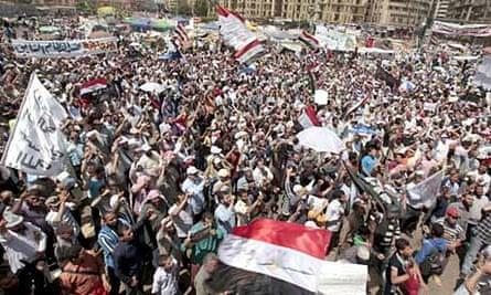 Egyptians demonstrating in Tahrir Square