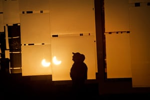 Solar eclipse: The solar eclipse is reflected at the National Solar Thermal Test Facility