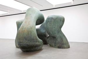 Henry Moore: Henry Moore's Large Two Forms, 1966, finally installed