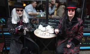 Goths take a tea break