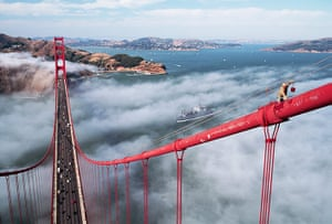 Golden Gate Bridge: Painter on the Golden Gate Bridge