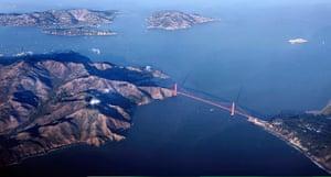 Golden Gate Bridge: The Golden Gate Bridge at sunset