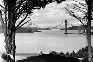 Golden Gate Bridge: Golden Gate Bridge under construction