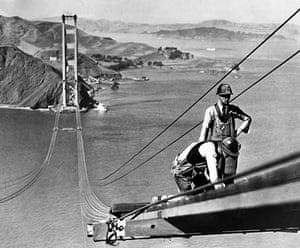 Golden Gate Bridge: Workers on the bridge during construction