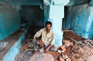 Hampi: Galappa, 34, mango-seller, in the ruins of his former home