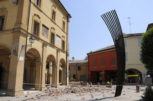 Italy earthquake: Rubble in a square in San Felice sul Pannaro