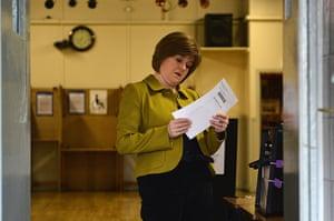 Local election: Nicola Sturgeon casts her vote in Glasgow