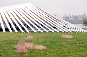Frieze New York: Tumbleweeds by Latifa Echakhch in the Sculpture Park