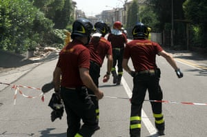 Italy earthquake: Rescue crews attend the scene in Bologna