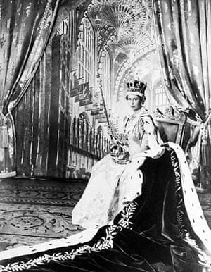 queen fashion: Queen Elizabeth II coronation