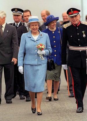 queen fashion: Queen Full Length Arran