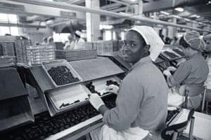 Elizabethans: Women packing Cadbury Chocolates